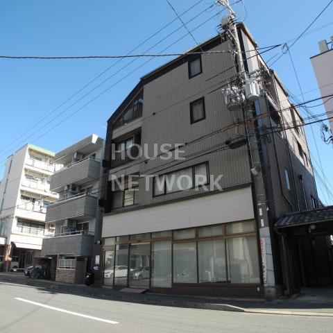 Noble Akita image